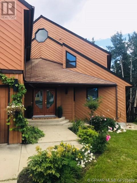 Find Homes For Sale at 13213 92 Street