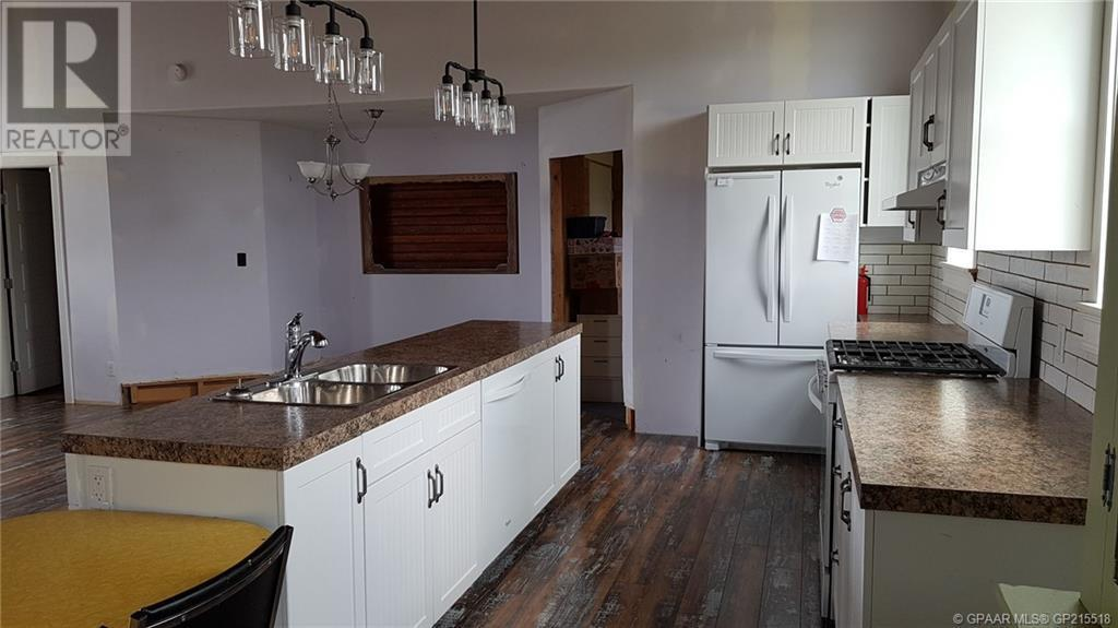 Find Homes For Sale at 318 4 Avenue NE