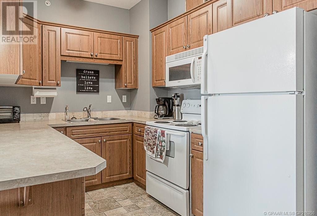 Property Image 5 for 404, 9225 Lakeland Drive