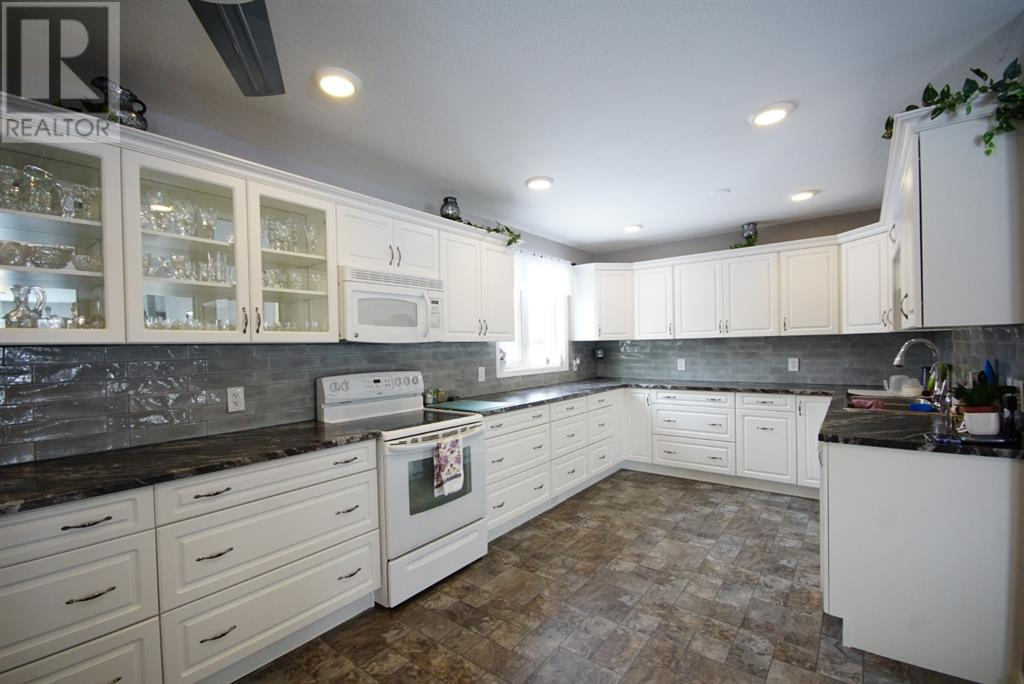 Find Homes For Sale at 711046 RR65 Road