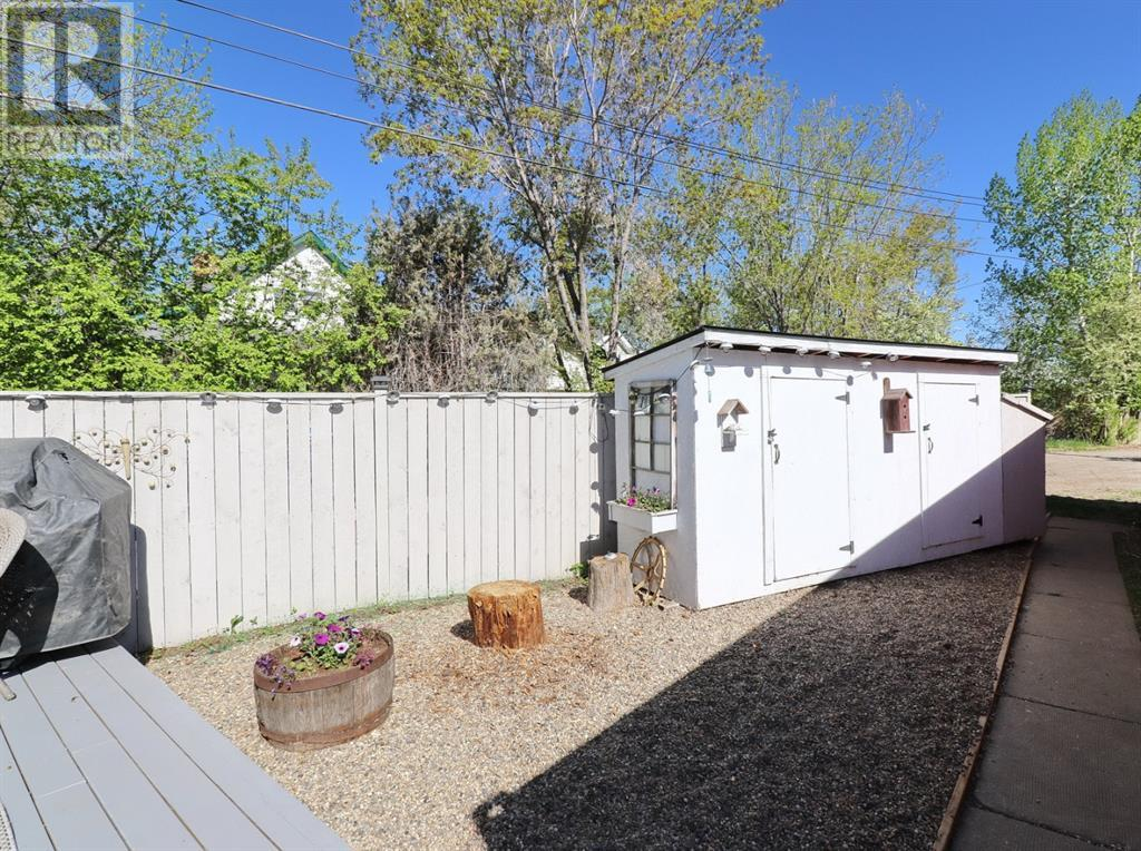 Property Image 35 for 10142 95 Avenue W